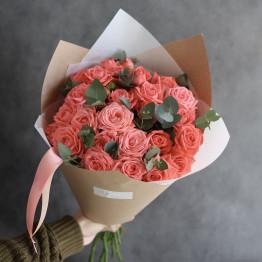 моно букет с кустовыми розами