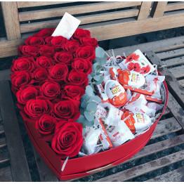 сердце с розами и вкусняшками
