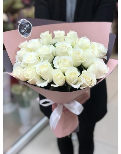 белая 21 роза