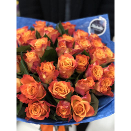 Акция 31 яркая роза