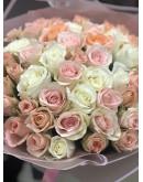 Нежная 51 роза микс