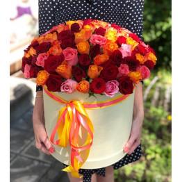 яркие розы 101 штука